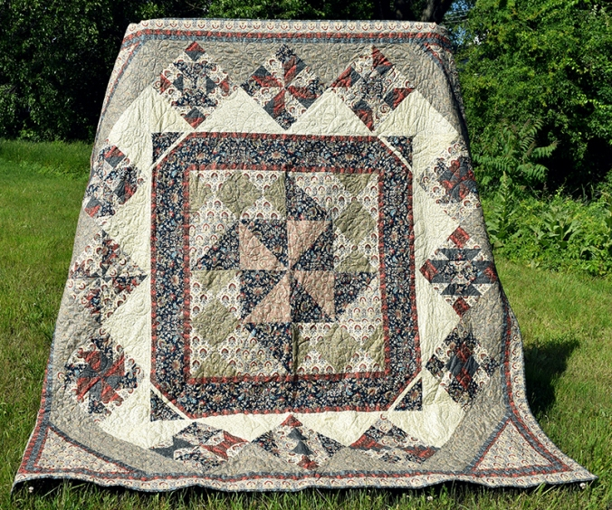 _Full quilt, held up_lores