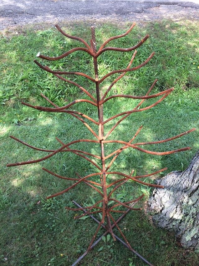 metal tree display.jpg