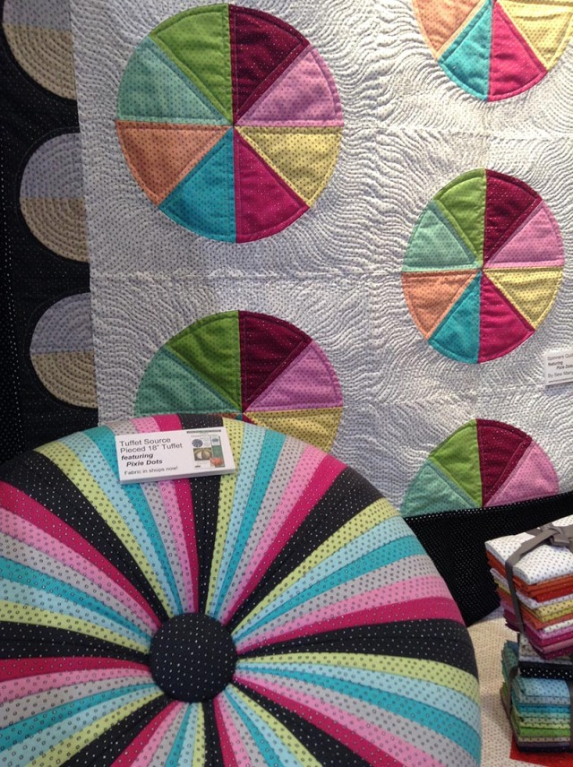 pixiedots_tuffet-and-quilt